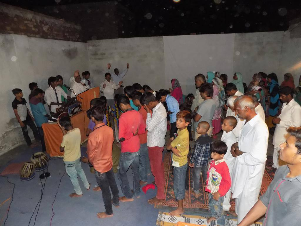 independent Evangelical Ministries based in Lahore focus to bring people to light from a darkness through Evangelism, Education and Care